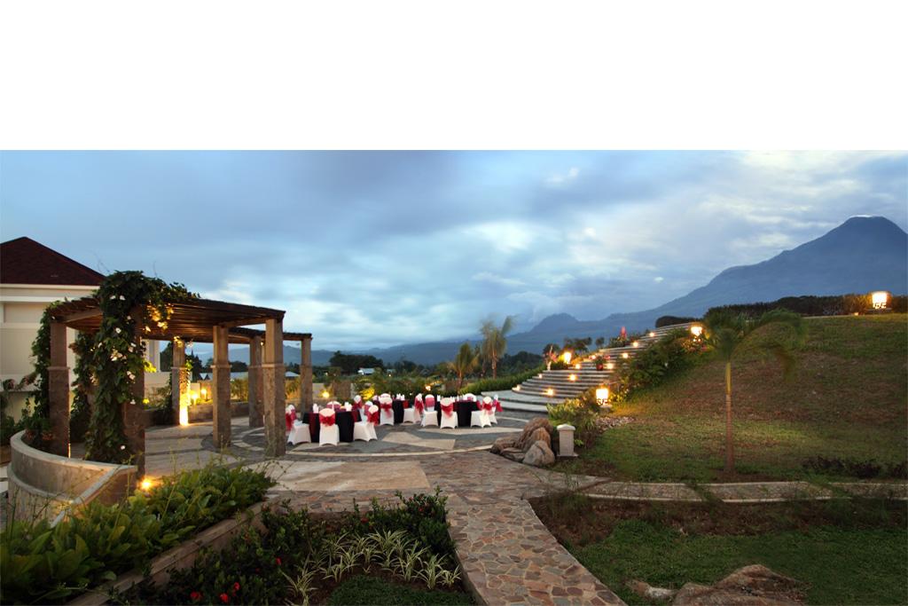 Sutanraja Resort And Convention Center